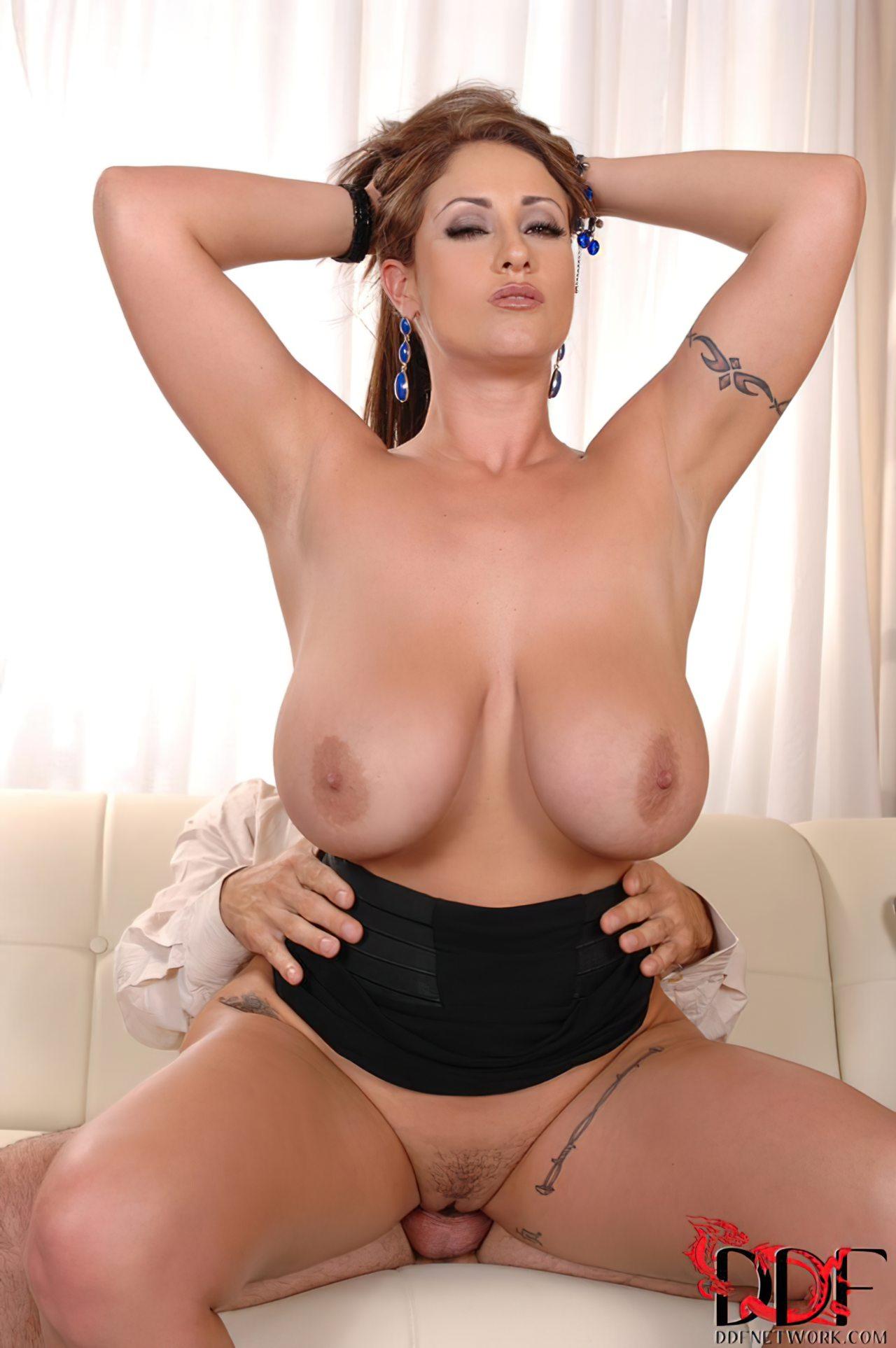 Eva Notty (52)