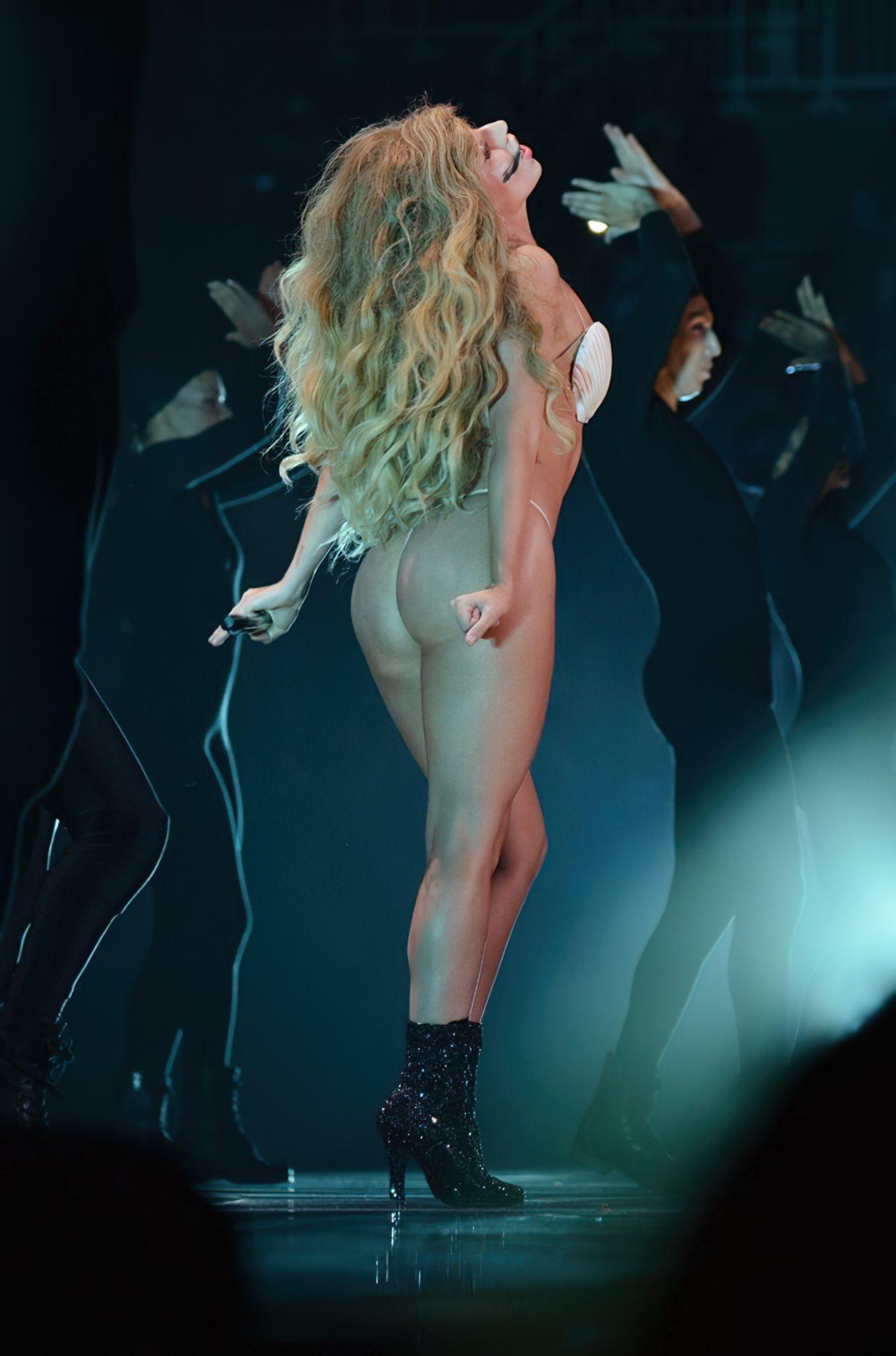 Lady Gaga Biquini (2)
