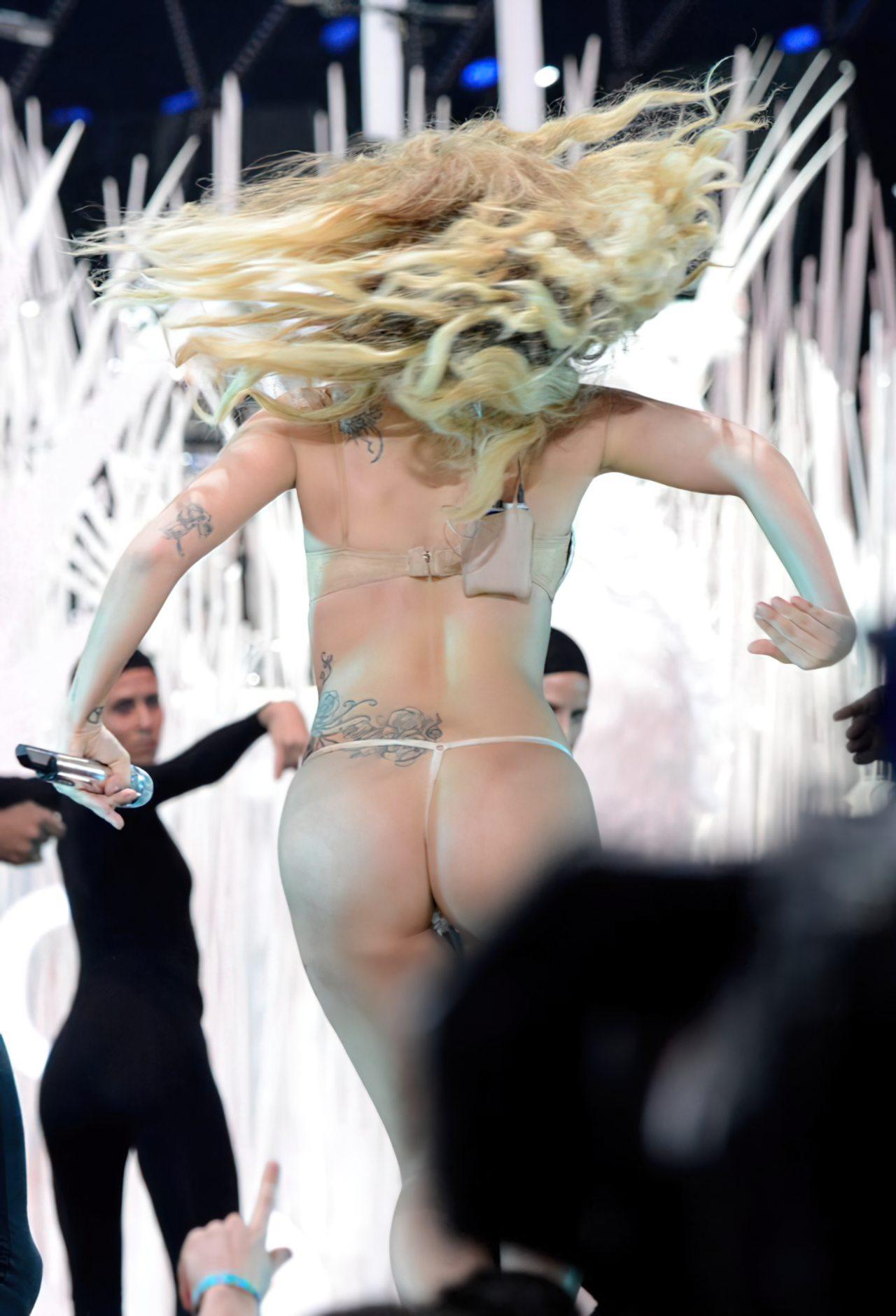 Lady Gaga Biquini (8)