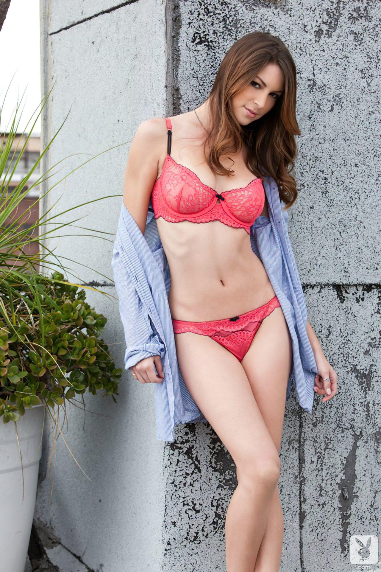 Amber Sym (32)