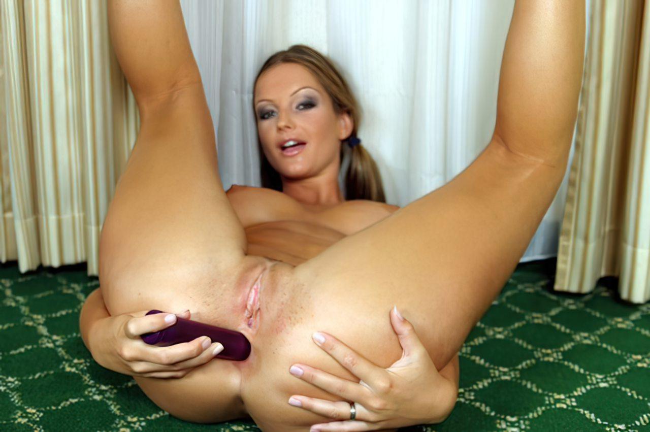 Sandra Shine e o Vibrador (10)