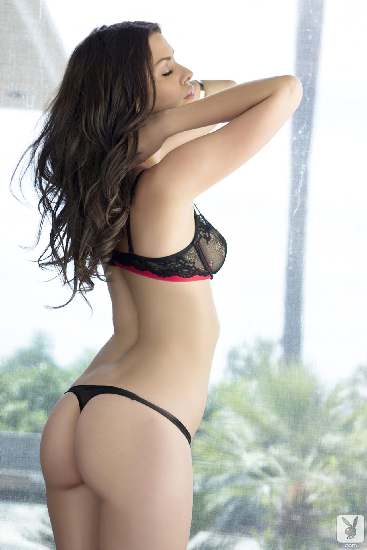 Laura Christie Nua (4)