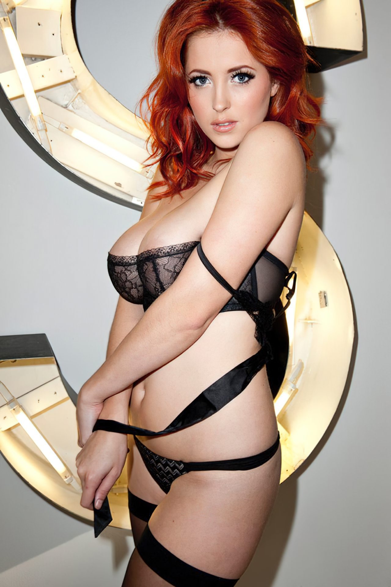 Lucy Collet Sexy (24)