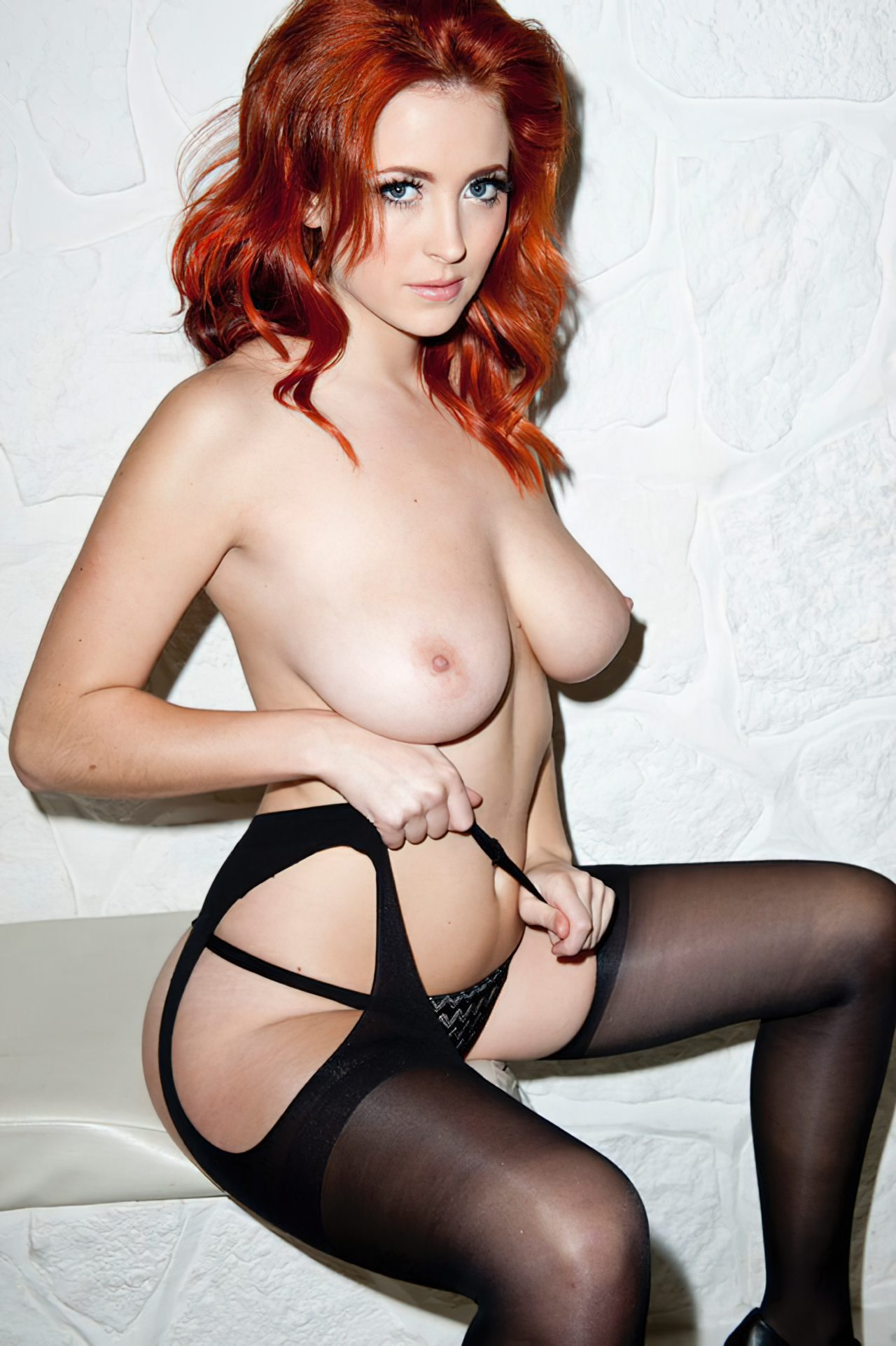 Lucy Collet Sexy (31)