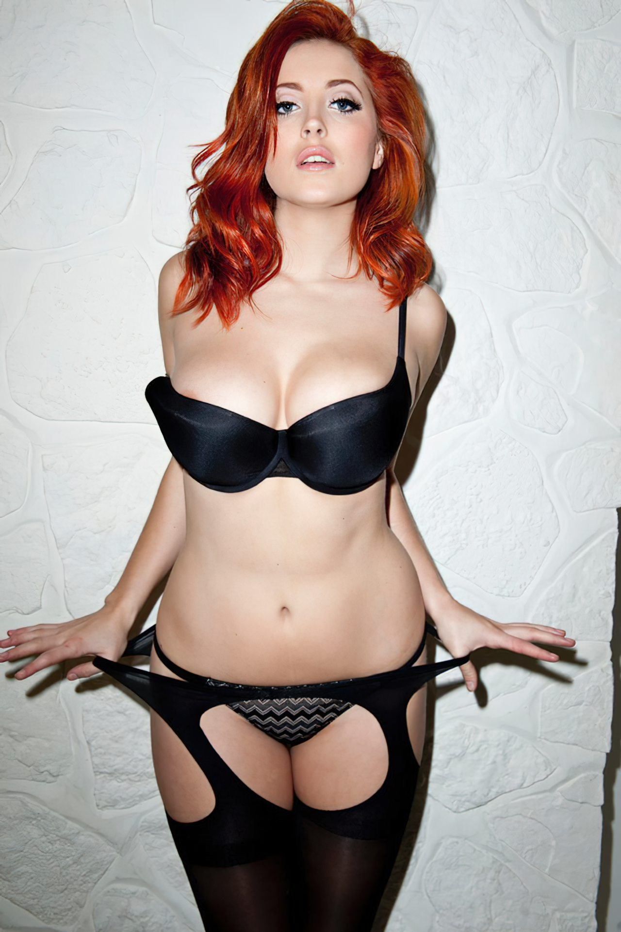 Lucy Collet Sexy (40)