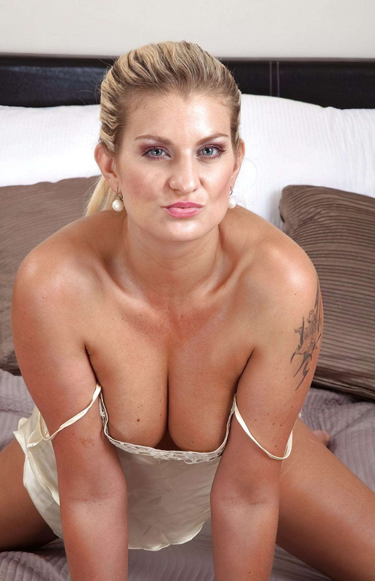 Mulher com Buceta Peluda (3)