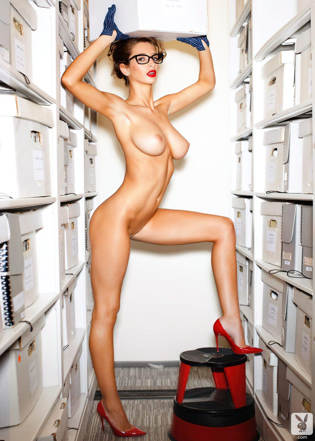 Emily Agnes na Playboy (2)