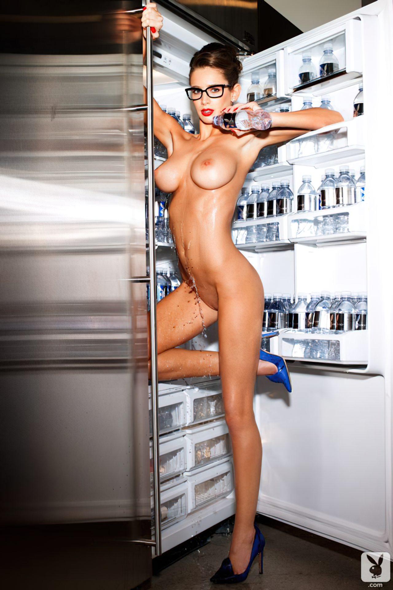 Emily Agnes na Playboy (9)