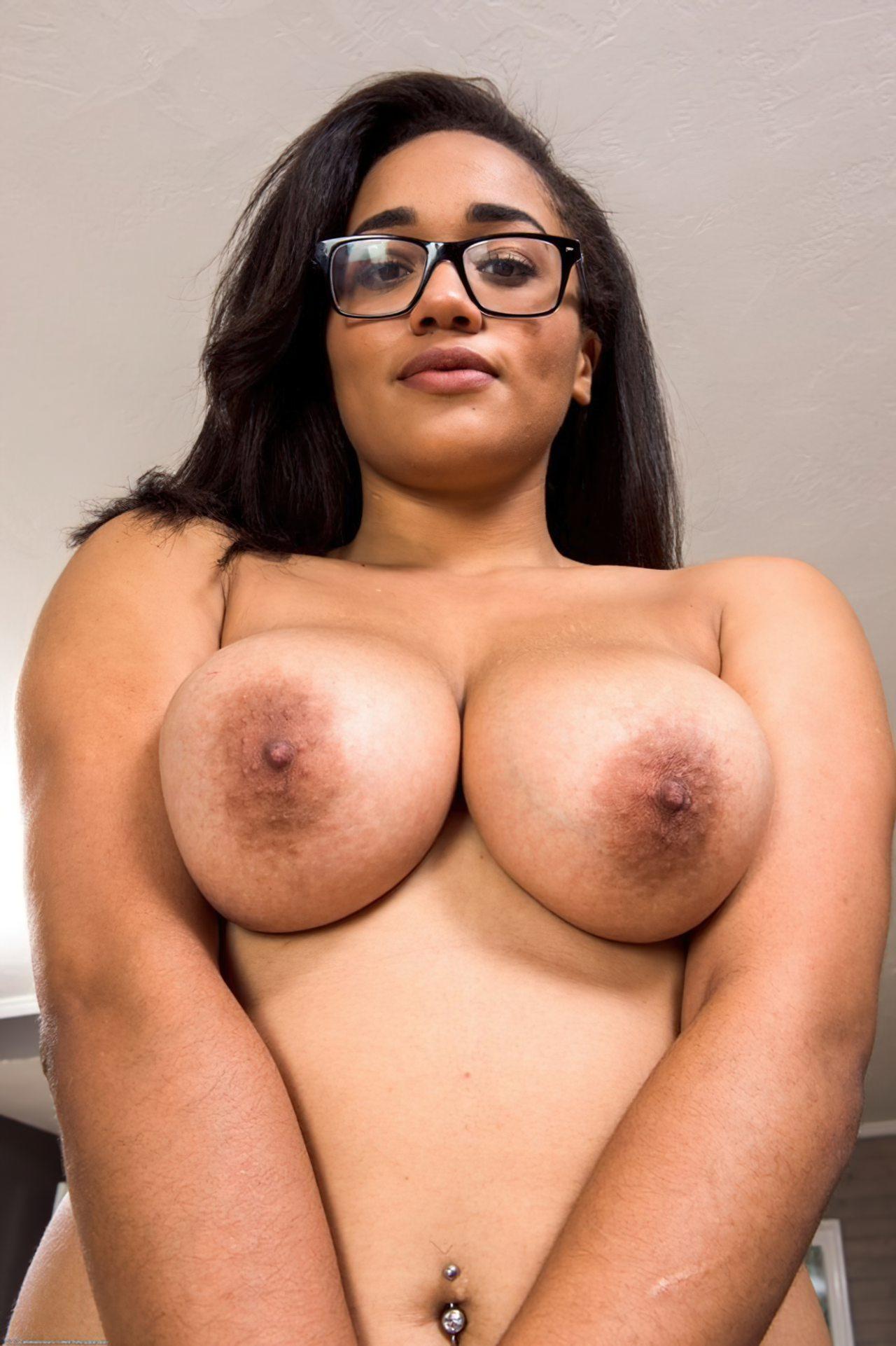 Julie Kay (35)