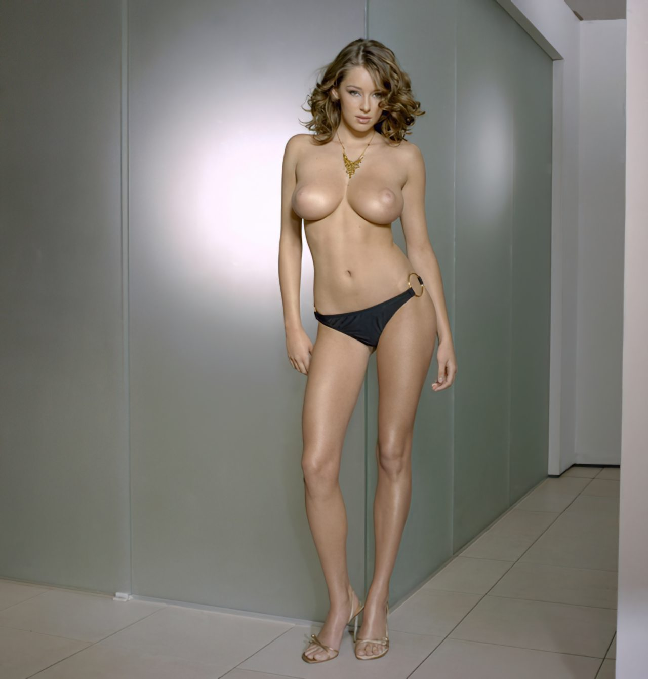Keeley Hazell (5)