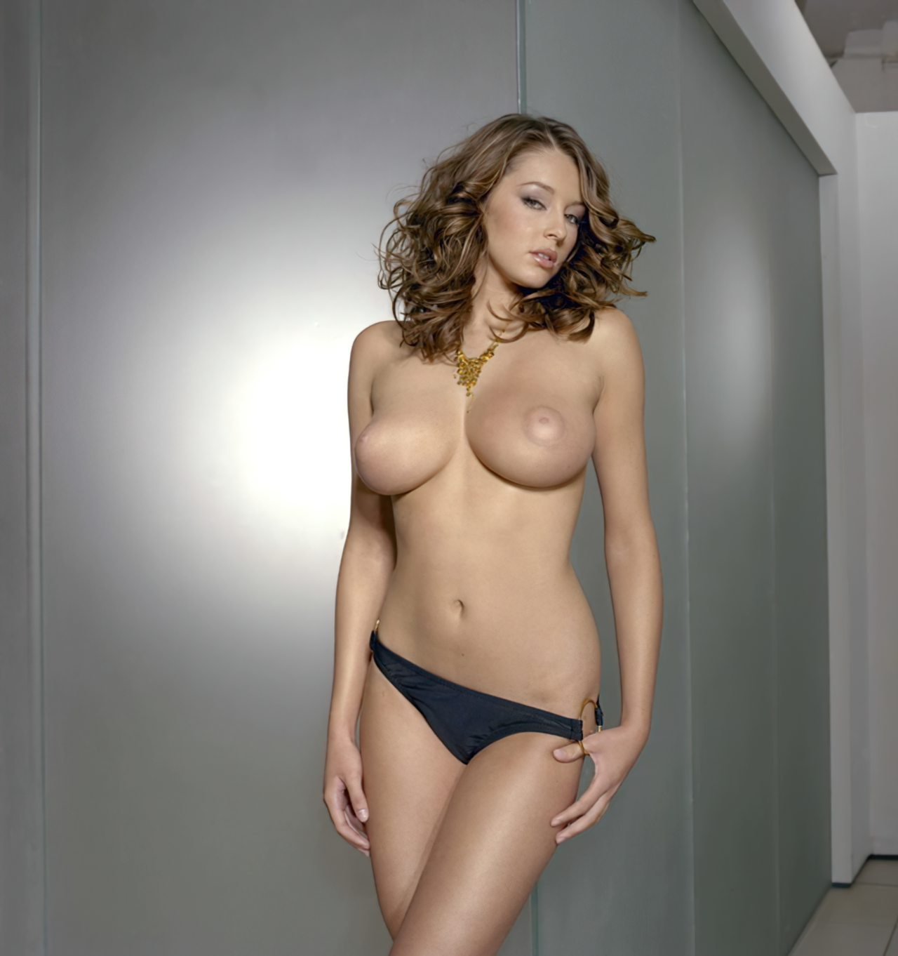 Keeley Hazell (9)
