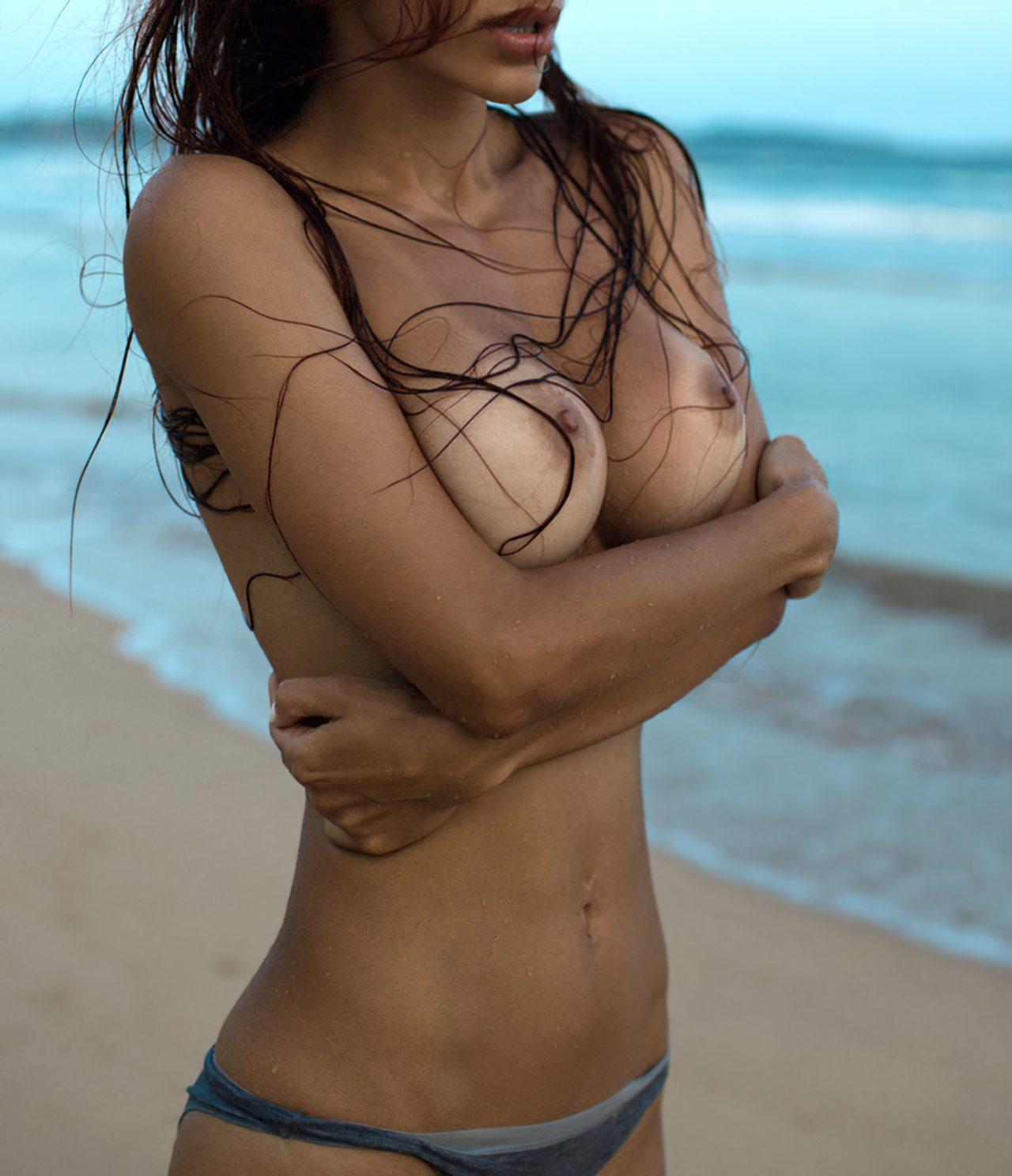 Peitos Bonitos na Praia