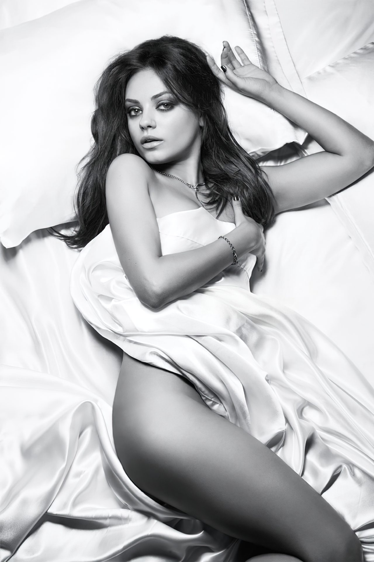 Mila Kunis (1)