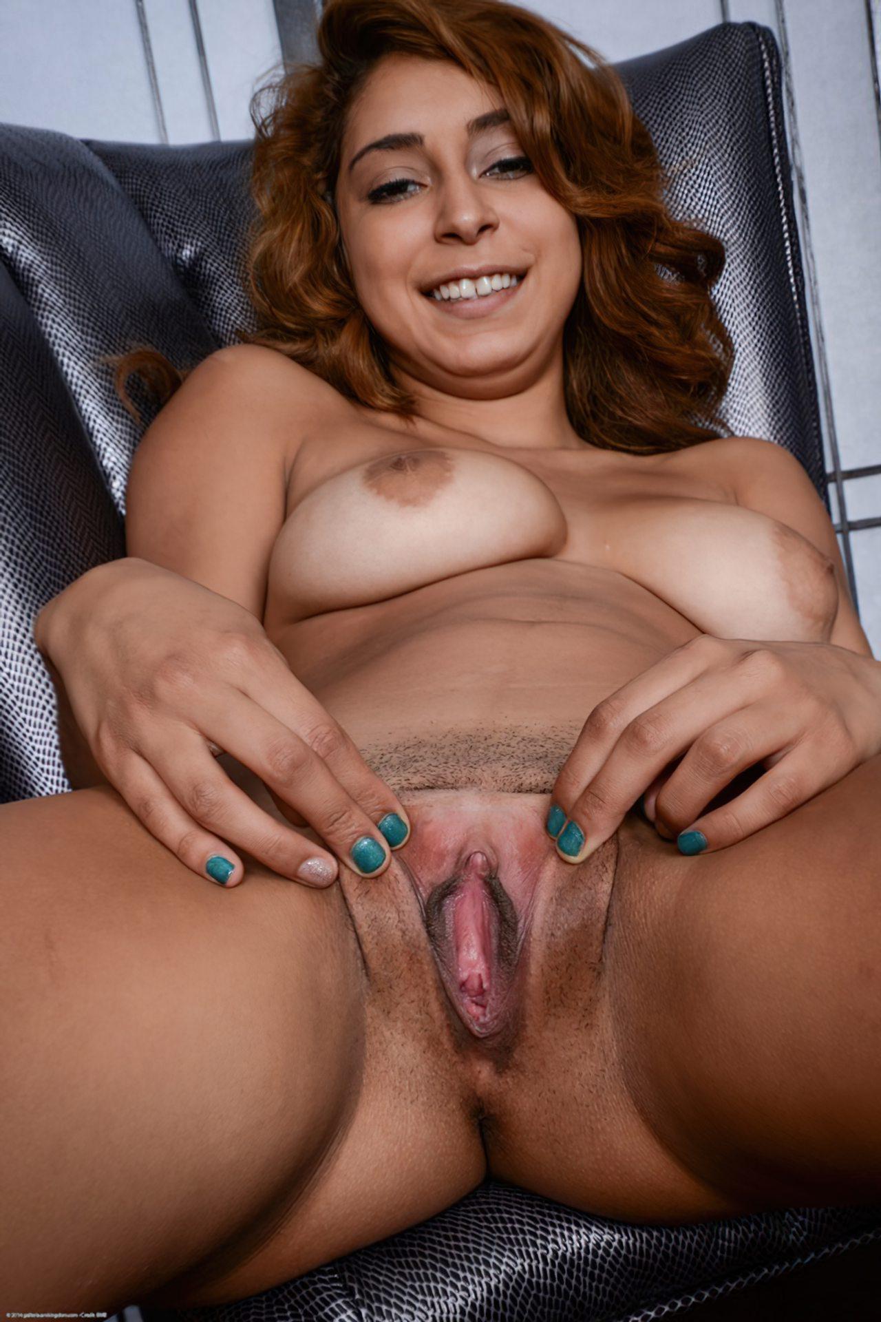 Mulher Mostrando Bucetao (22)