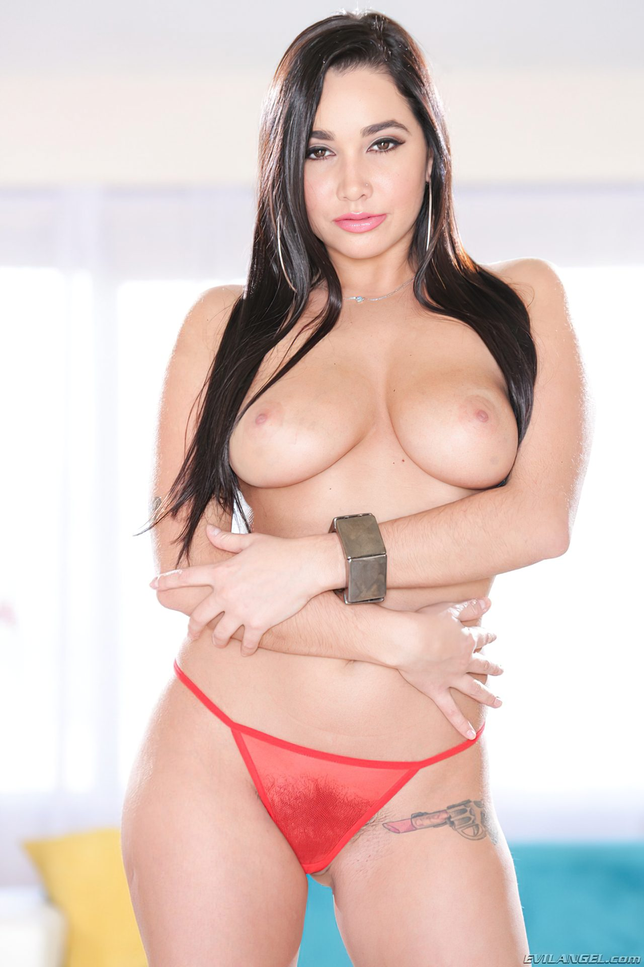 Karlee Grey Nua (6)