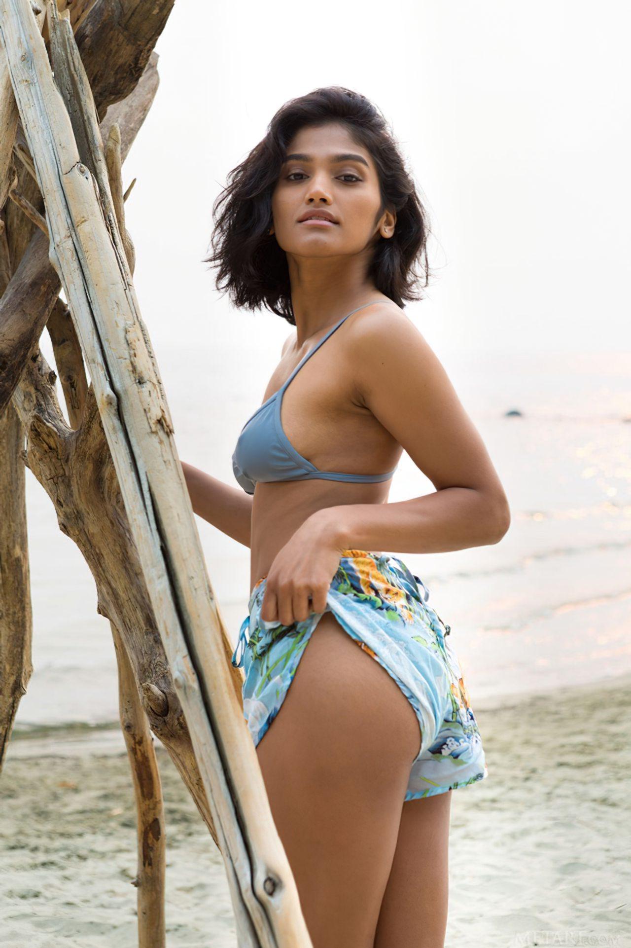 Morena Linda na Praia (1)