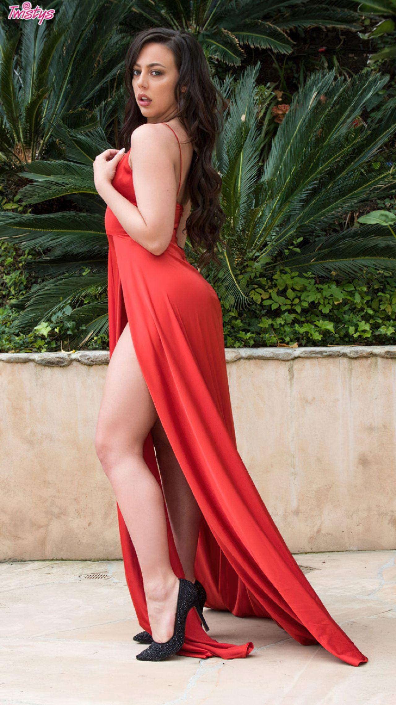 Despindo Vestido Vermelho Jardim (2)