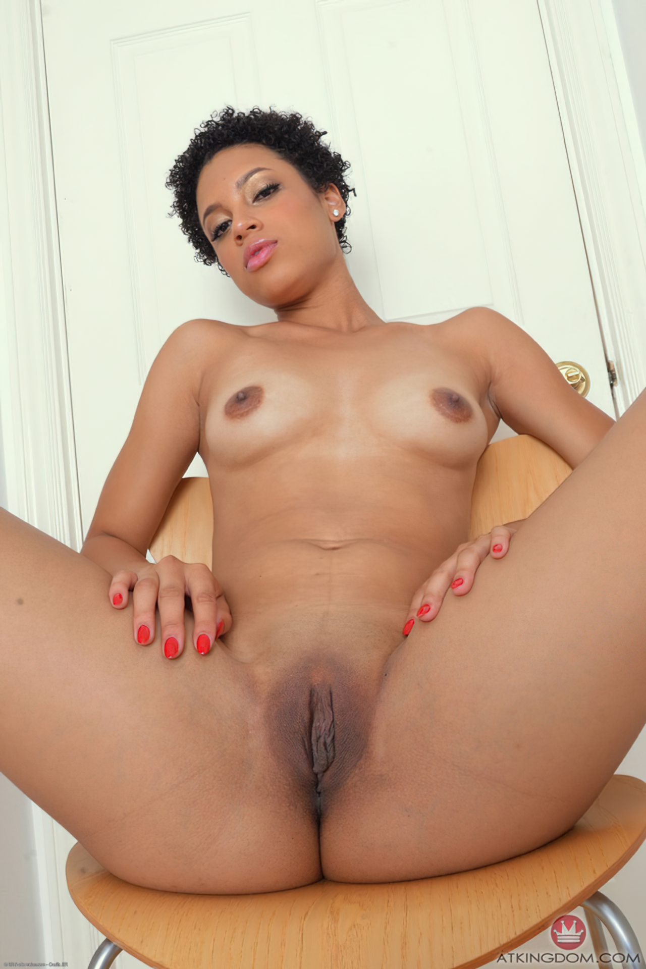 Mulher Negra Buceta Rosa (3)